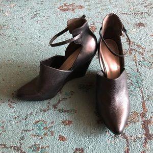 Pour la victoire black heels. Size 10